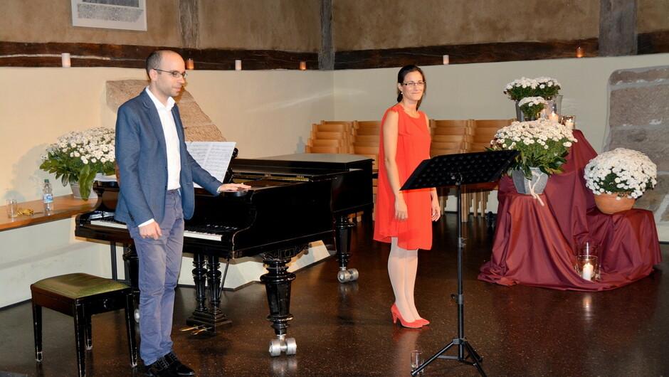 Französische Chansons entführten das Publikum in die Sphäre der Liebe.