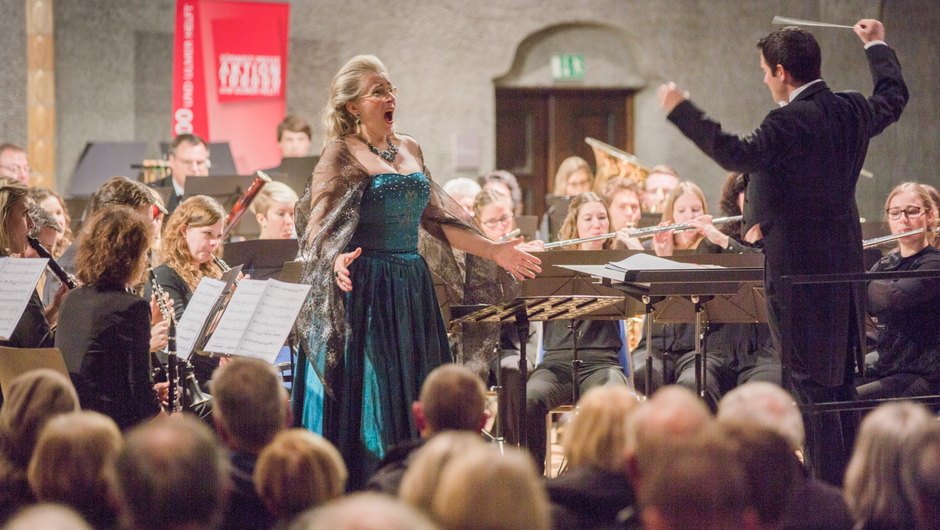 Große Stimme: die Sopranistin Danuta Debski in der Ulmer Pauluskirche.
