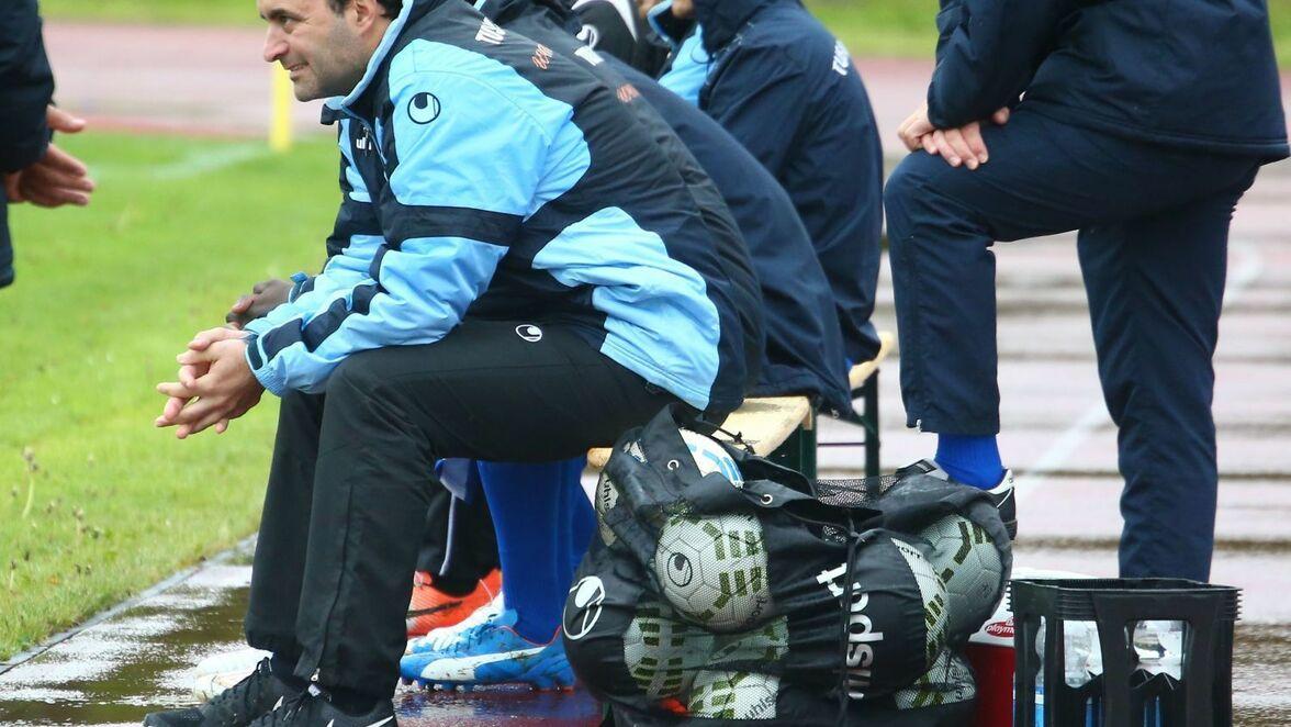 Fussball Bei Der Tus Metzingen Setzt Man Auf Ein Coach