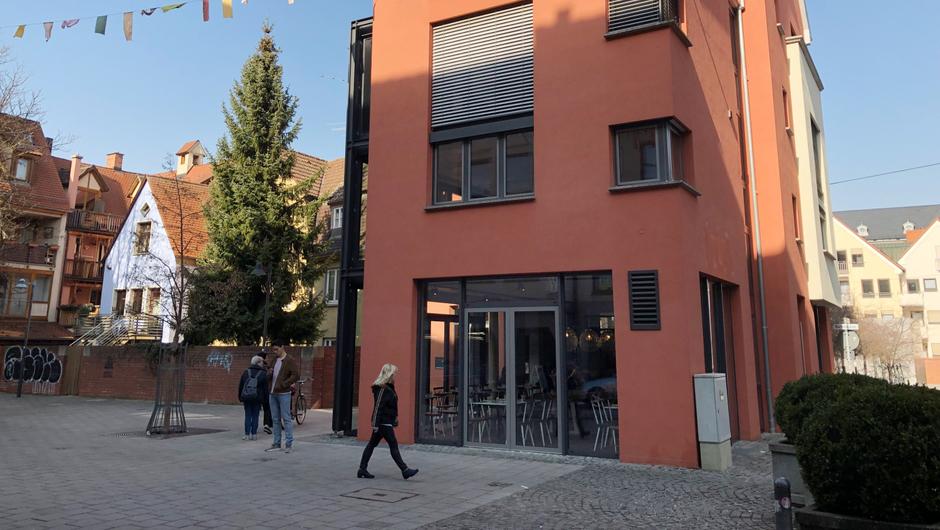 neues lokal in herrenkellergasse ulm griechisches restaurant elinaki er ffnet s dwest presse. Black Bedroom Furniture Sets. Home Design Ideas