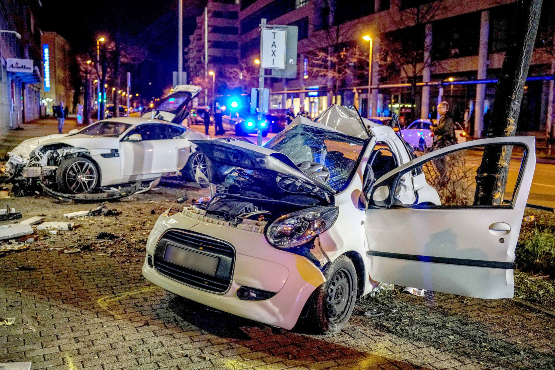Stuttgart Unfall Jaguar