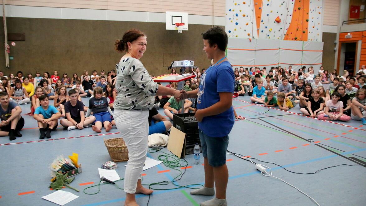Bei der Schulvollversammlung gab es auch Auszeichnungen.
