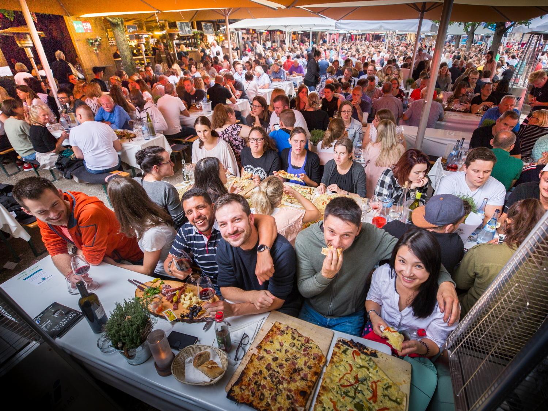 Weinfest in Ulm : Noch bis Samstag am Münsterplatz - Alle