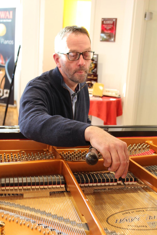 Klavierladen Crailsheim: Werner Maas: der Experte für den guten Ton - SWP