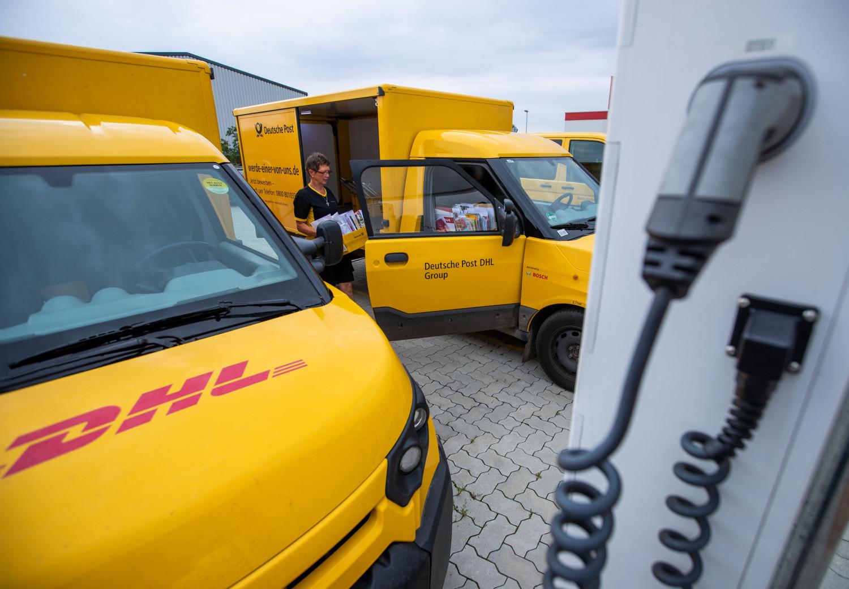 Unfall in Albstadt-Margrethausen: Postauto macht sich selbständig und kippt auf die Seite - SWP