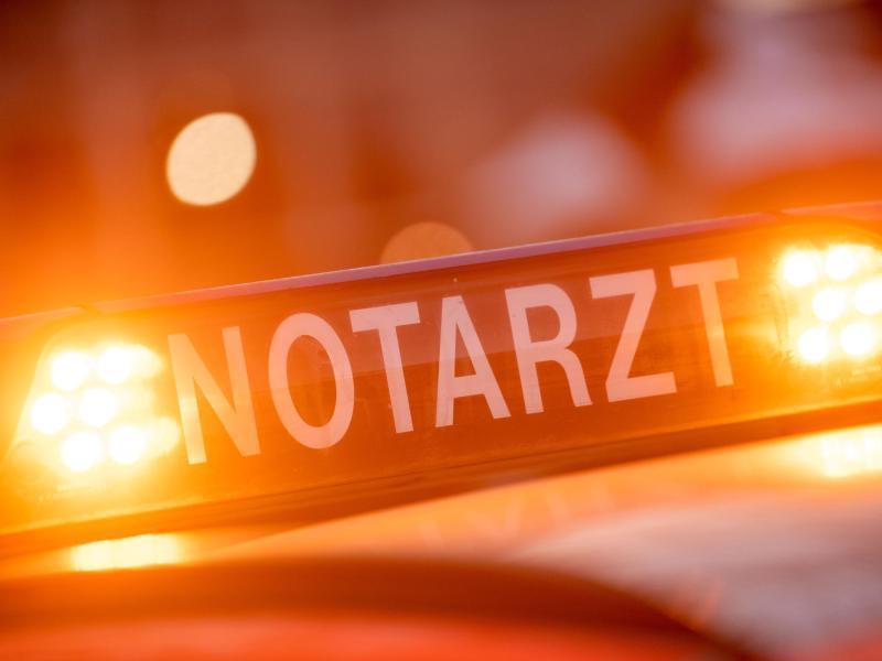 Unfall bei Ravensburg: 18-Jähriger stirbt nach Frontalcrash in Waldburg - Familie schwer verletzt - SWP