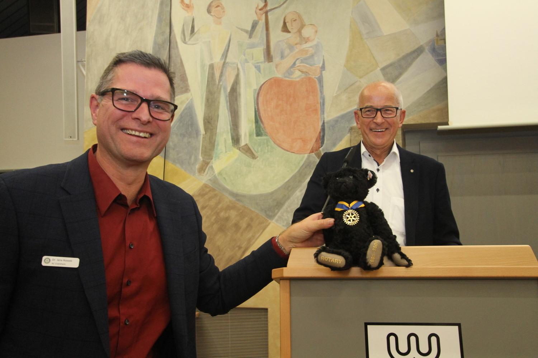 Charity Crailsheim: Steiff-Teddybär wird für 1050 Euro versteigert - SWP