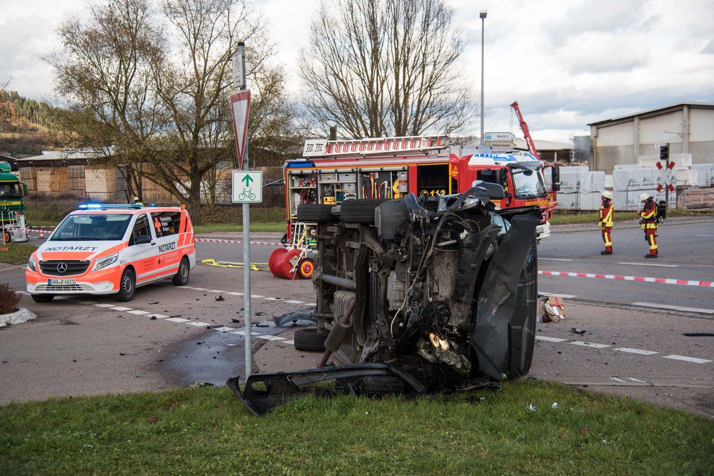 Hubschrauber in Gaildorf: Unfall mit zwei Transportern – Schönberger Straße gesperrt - SWP