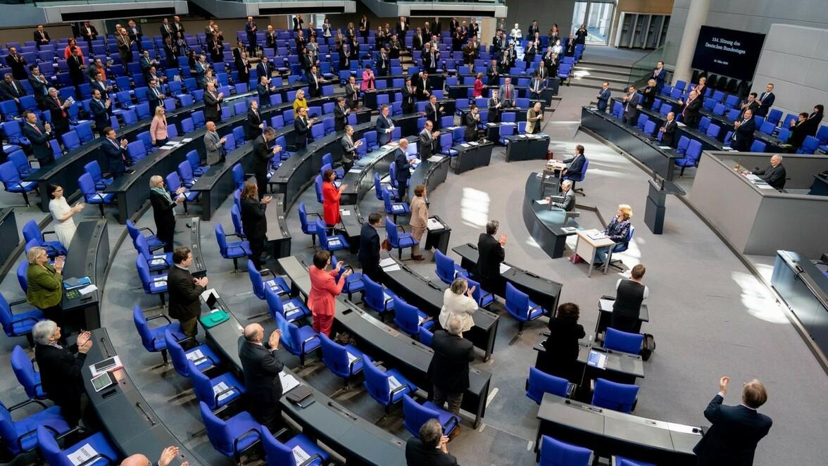 Die Anti Corona Massnahmen In Bayern Werden Weiter Gelockert Ab 22