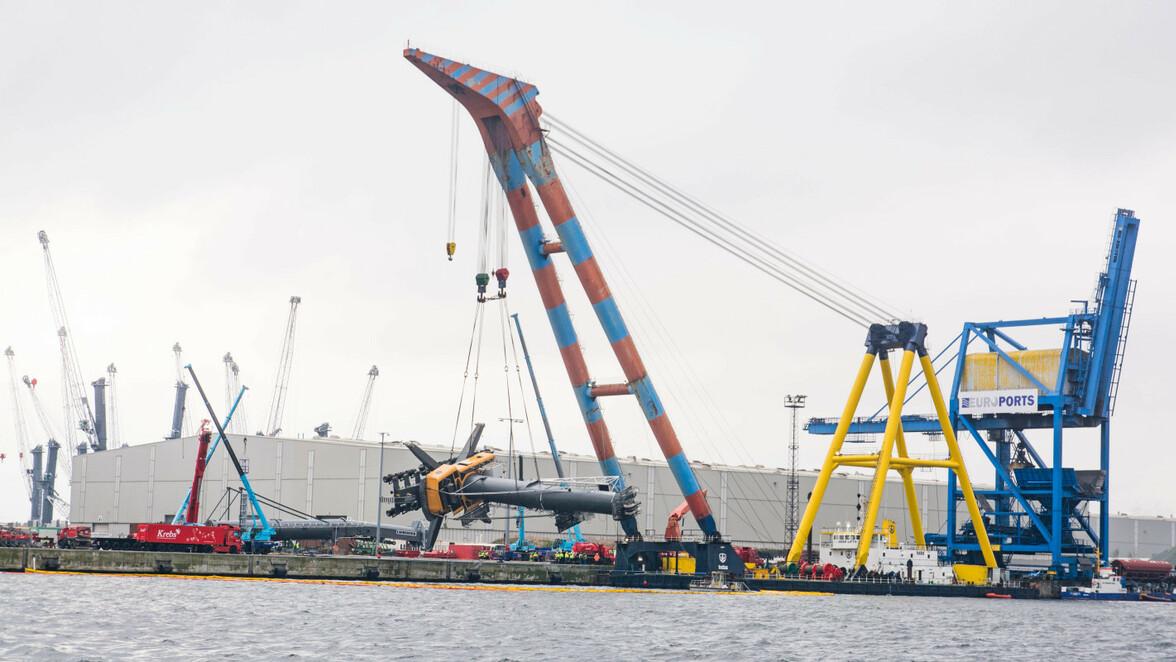 Kran Unfall Rostock Liebherr