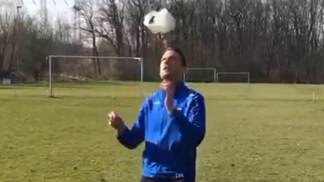 Klopapier Challenge Fußball