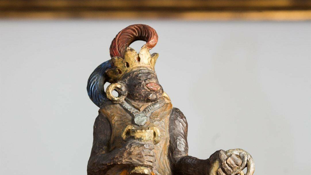 So sieht er aus, der König Melchior von Martin Scheible. Der Künstler hat insgesamt 26 Krippenfiguren in den 1920er Jahren geschnitzt.
