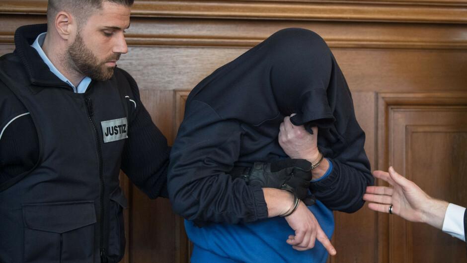 Dreifach-Mord am Einschulungstag - Prozess gegen Vater beginnt