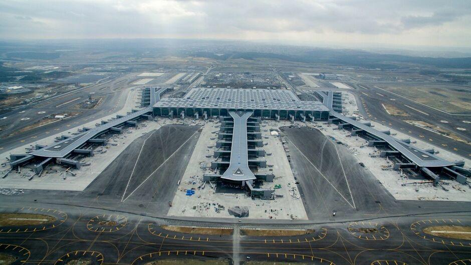 10,5 Milliarden Euro :200 Millionen Passagiere geplant:Erdogan eröffnet Flughafen