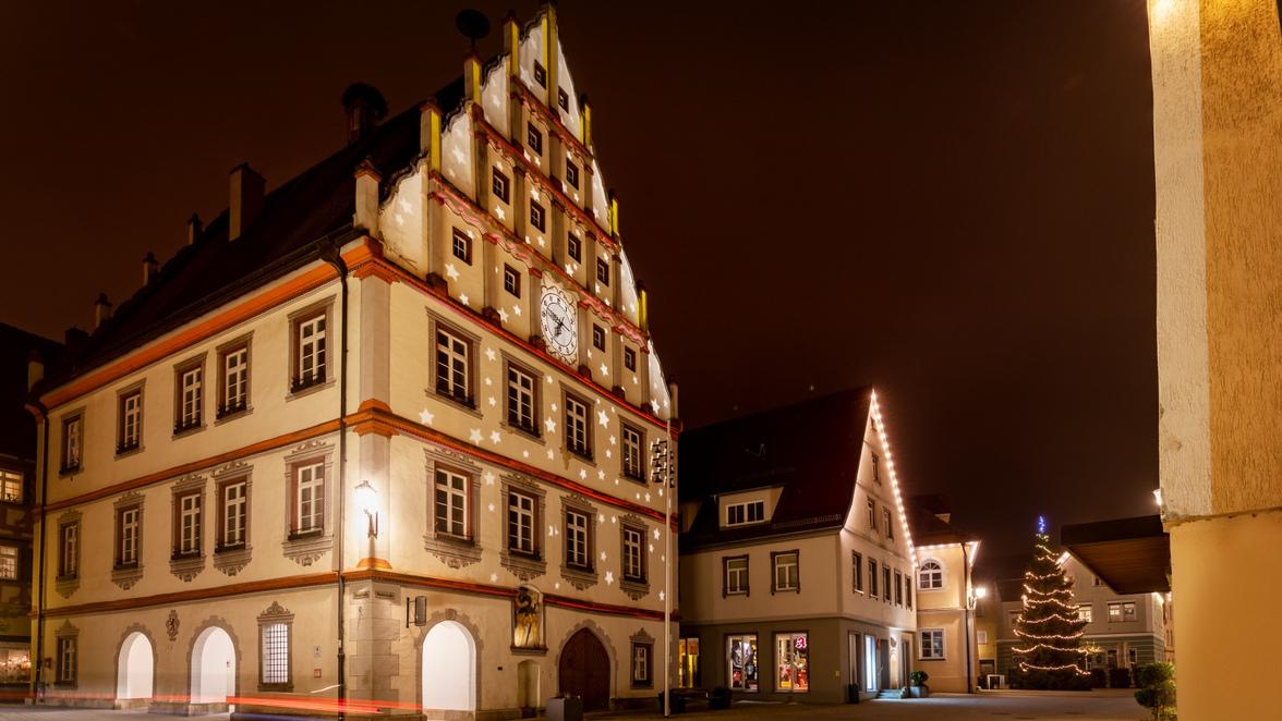 Kleinstadtleben: Munderkingen leuchtet: Das steckt hinter dem aufwändigen  Lichtkonzept | Südwest Presse Online